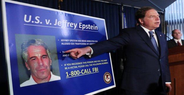 Negotiated Jeffrey Epstein with the secret service?