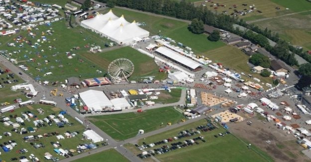 On the Trucker-festival grounds, a body was found