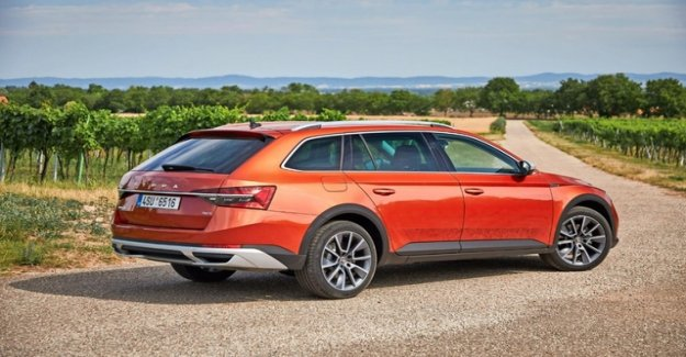 The flagship defies the SUV Boom