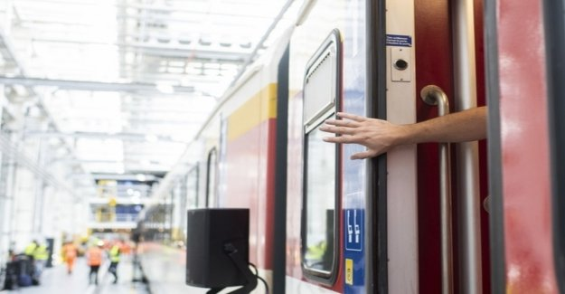 Doors of the SBB-accident car 328 had to be repaired