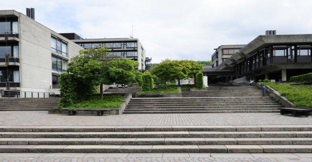 Three Zurich Gymis find shelter at the University of zürich, Irchel