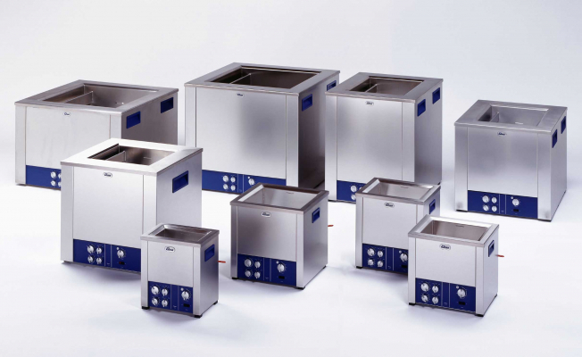 What parameters to consider in choosing an ultrasonic cleaner?