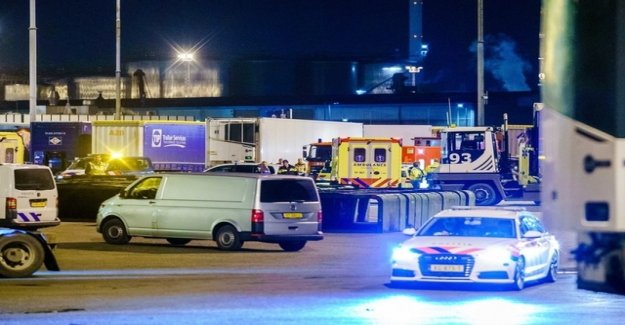 25 migrants from the cooling container saved