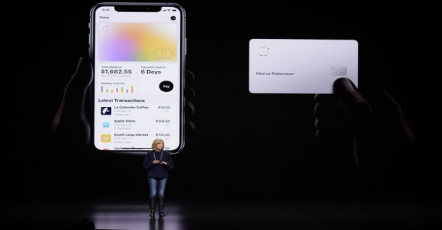 Apple credit card: Did the women See?