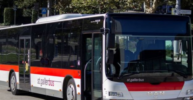 Chauffeurs lock in St. Gallen, Drunk in the Bus