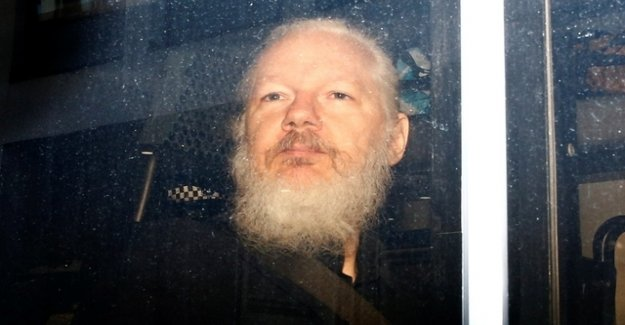 Doctors see Assange's life is in danger