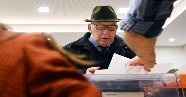 Exit polls: the Spanish elections did not produce a clear majority in parliament – far-right Vox the third largest party in the