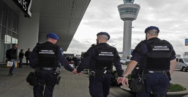 False alarm in the aircraft initiates a large-scale operation in Amsterdam