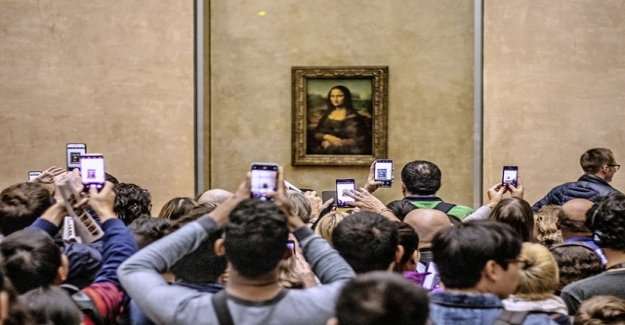 In the case of Mona Lisa, we lose the head