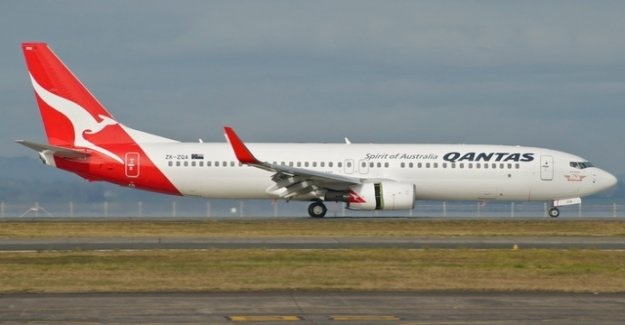 Qantas discovered the cracks on several Boeing 737