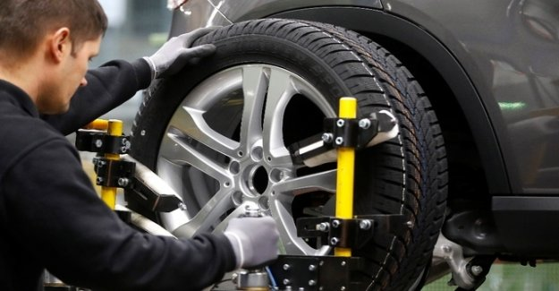 Thousands of tons of rubber from car tires end up in the environment