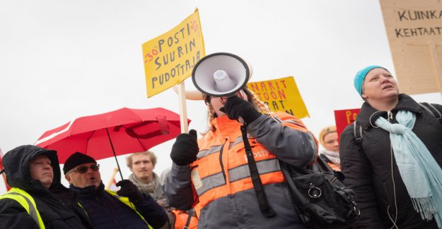 Transport unions are expected to tell support activities postal strike