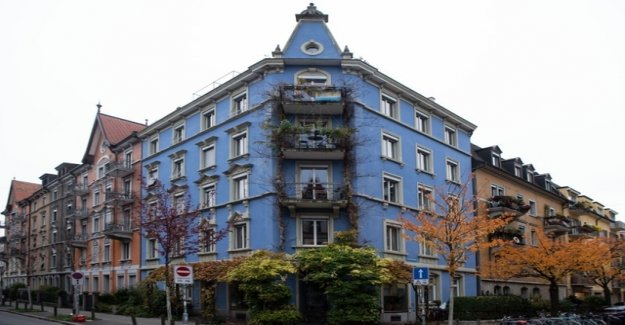 Zurich is a Problem with the blue houses