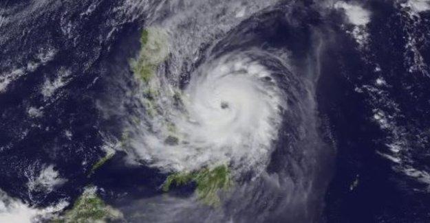 70'000 people flee Typhoon Kammuri