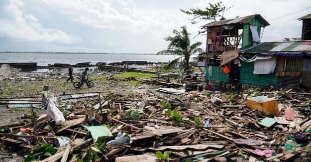 The philippines, at least sixteen deaths for the passage of a typhoon
