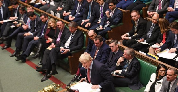 Brexit, Westminster approves the agreement. Just missing the Queen