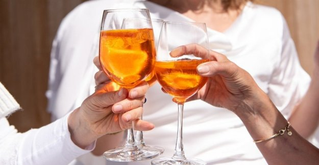 Cancer, 1 patient out of 3 consumes alcohol more than they should
