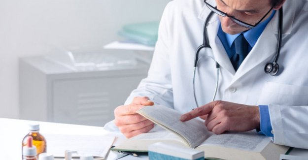 Doctor House, to what is due the gastroenteritis?