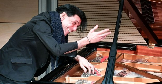 Ezio Bosso off the items: Happy to make the conductor: I'm not retiring
