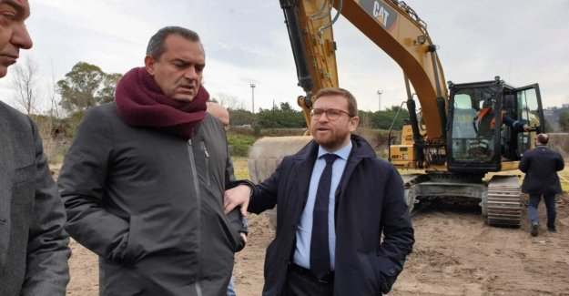 Here come the bulldozers to the reclamation of Bagnoli, the minister Provenzano: Sorry for the delay