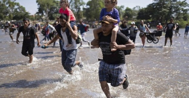 Migrants are blocked before arriving in Mexico: it will be a land of transit. The wall of Trump moves to the south