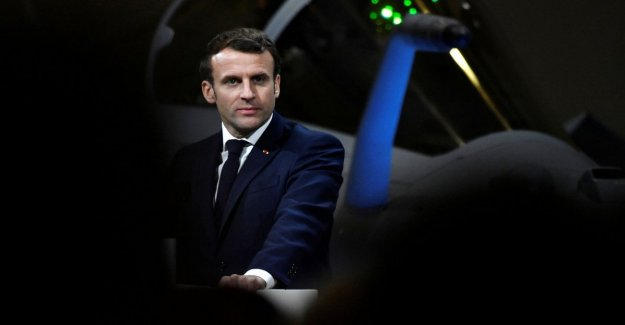 Paris, Macron contested at the theatre by the militants of the movement against the pension reform