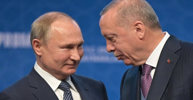 TurkStream, via the new infrastructure that brings the Russian gas to Turkey and Europe