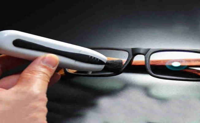 Reasons why people wear eyeglasses