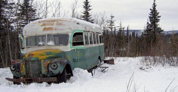 Alaska, disaster relief in the ice, five italians in search of the old bus Into the wild