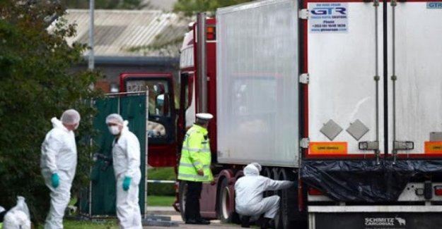 Essex, the investigations on the 39 migrants of vietnamese dead in the truck fridge to hypoxia and hyperthermia