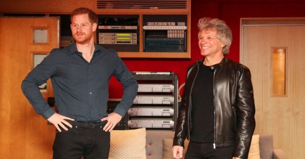 Gb, Harry sings with Bon Jovi at Abbey Road. Without the real title is the battle of a follower with William on Instagram