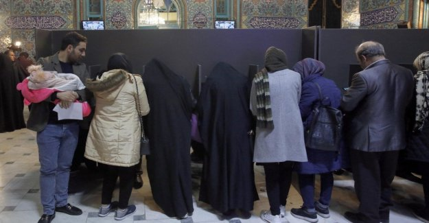 Iran, 58 million to vote for the meps on the day of the alarm coronavirus: low turnout
