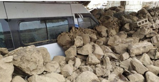 Iran, earthquake of magnitude 5.7 on the border Turkey: dead and missing
