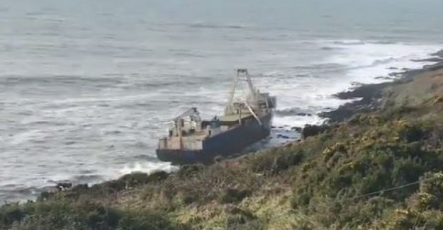 Ireland, after a year of drifting ghost ship aground near Cork. The fault of the storm Dennis