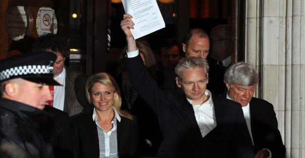 London, begins the process of extradition to the Usa of Julian Assange