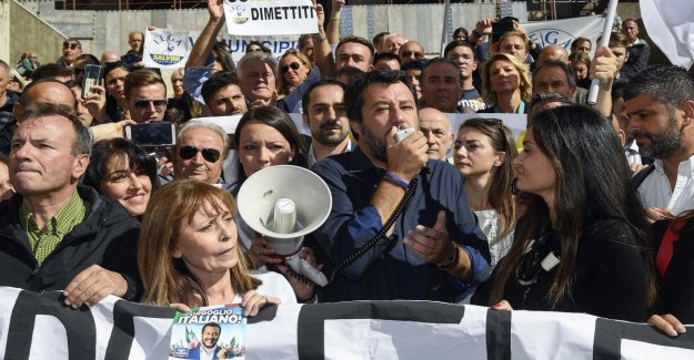 Rome derby League-Sardines. Salvini: We talk of the Capital, they speak only of me.