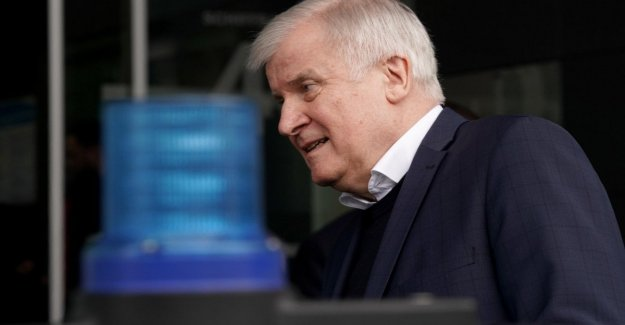 Seehofer: It was clearly a terrorist attack with a motive racist
