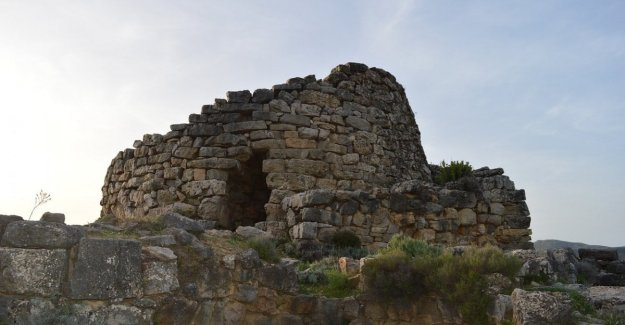 Six thousand years of history from the DNA of the ancient sardinian