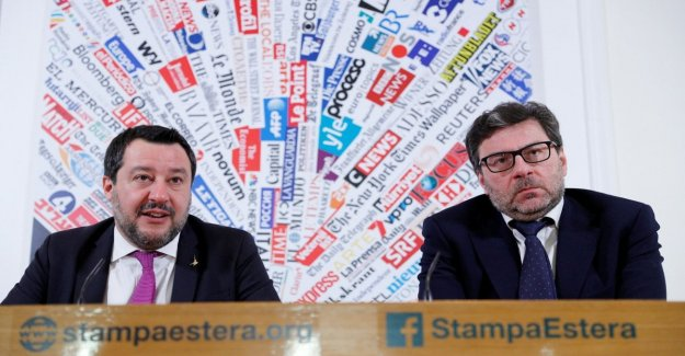 The eu, Salvini: Or change or not it makes sense and it is better to do as the british. The leading league corrects Giorgetti