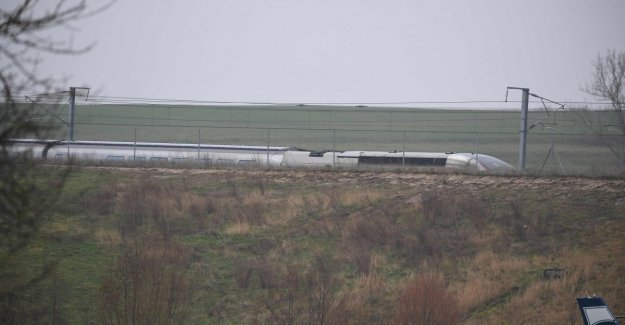 France, the Tgv leaves from the rails: twenty people were wounded, a very severe one