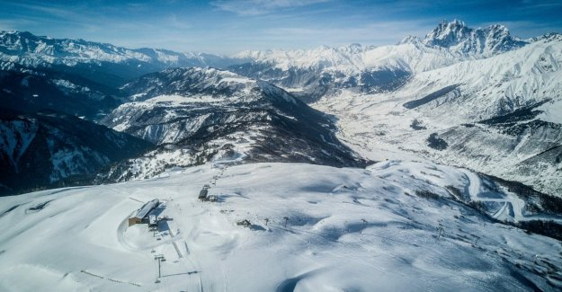 Georgia, a group of skiers swept away by an avalanche. Foreign ministry: we are italians
