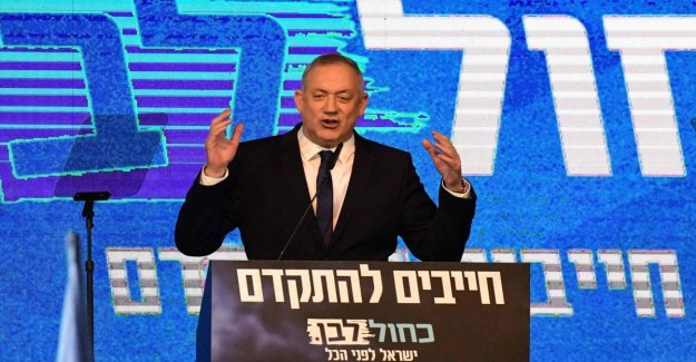 Israel, Gantz elected chairman of the Knesset with the votes of the Likud: the party splits