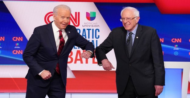 The Usa, the debate between the democratic candidates: Biden and Sanders greet each other with the elbow