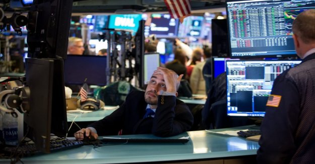 The collapse of oil and a future on Wall Street, early warning signs of a black Monday