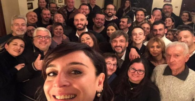 The league member Barbara Saltamartini at a party with 60 people in spite of the government decree