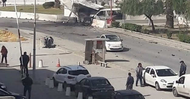 Tunis, two suicide bombers will explode near the Usa embassy; 5 injured