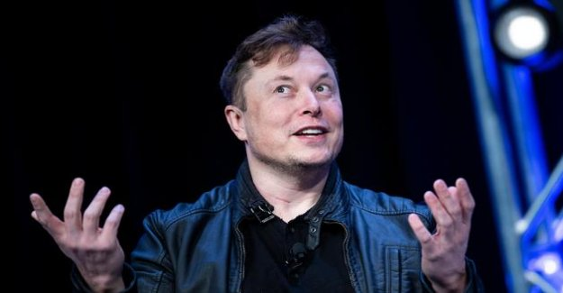 An american 25-year-old has inherited the old phone number of Elon Musk