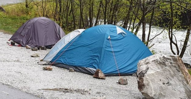 Death as a neighbour: Avoiding tragedy in the tent
