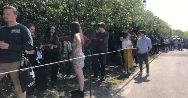 Noma opens a burger bar: 100 meter-long queues