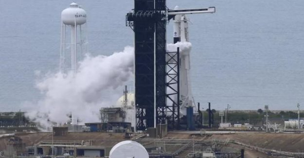 SpaceX will try again to launch its first manned flight this Saturday